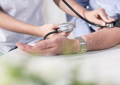 Blut messen beim Arzt
